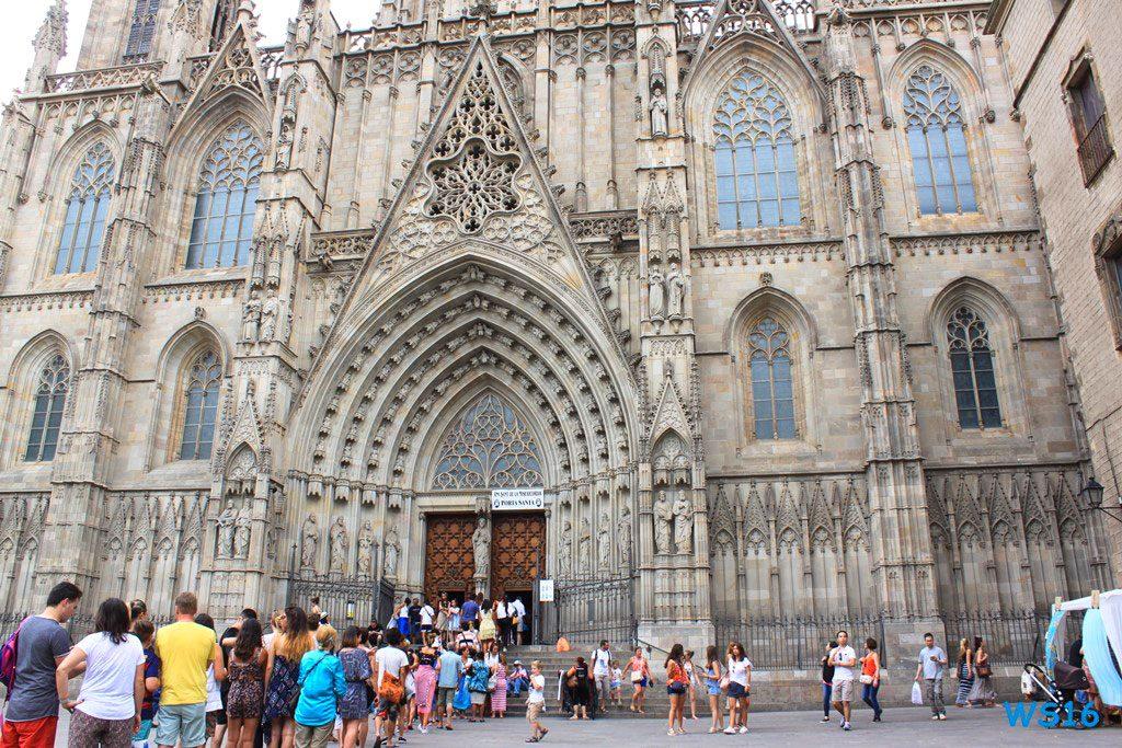 La-Catedral de-la Santa Creu i Santa Eulalia Barcelona